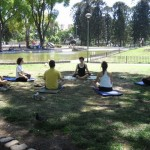 Clase de Yoga en Parque Centenario